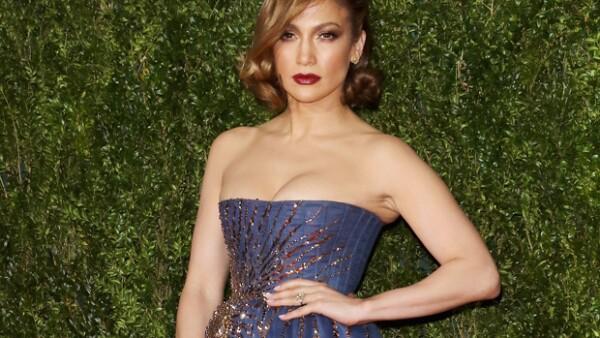 Jennifer Lopez dando vida a Selena Quintanilla o Cate Blanchett como Bob Dylan. Te presentamos a las celebs que han interpretado a musicos en la pantalla grande.