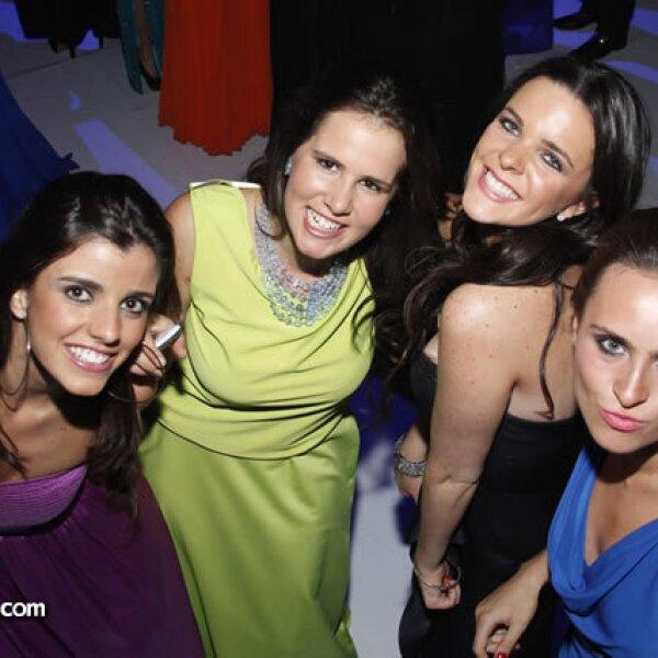 Regina Torres,Claudia y Ana Martínez y Regina Pérez
