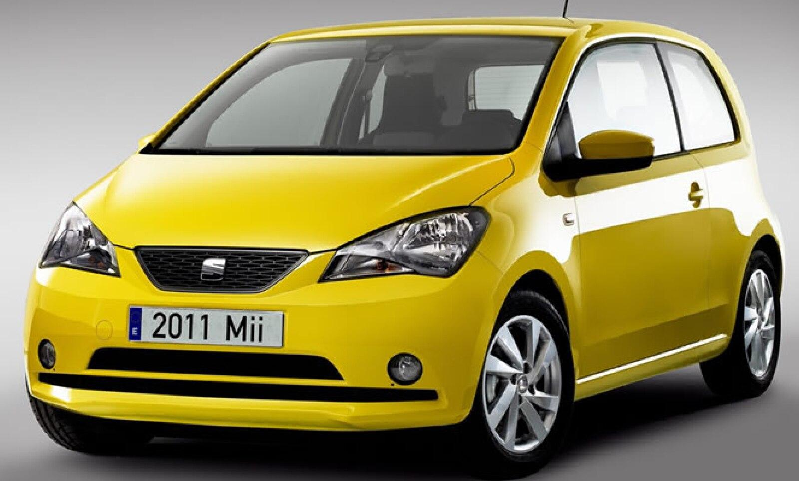 Seat presentó oficialmente su nuevo compacto de aspecto juvenil, que toma forma de las líneas estéticas de otros modelos citadinos del Grupo Volkswagen, al que pertenece la firma española.