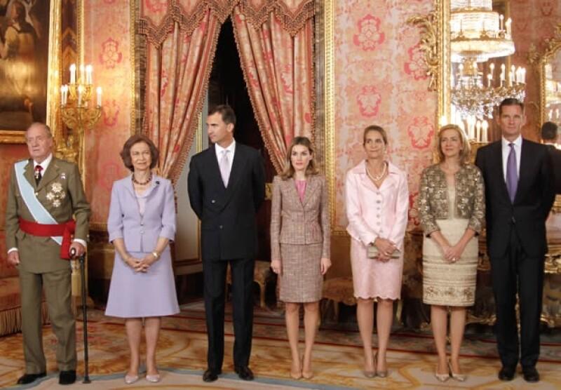 La familia real española junto con Iñaki en 2011, cuando todavía aparecía en actos oficiales.