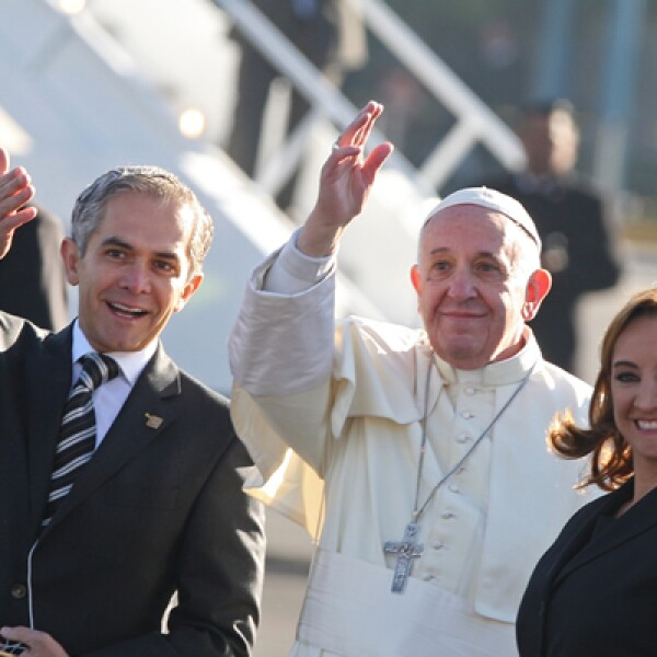 En su último día en la capital del país, el pontífice abordó un avión a las 8:35 horas locales rumbo a esa ciudad.