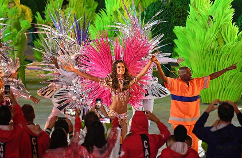 ¿Te la perdiste? El objetivo de la ceremonia fue meter en el estadio Maracaná la esencia de esta ciudad multicolor.