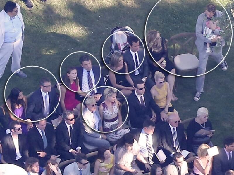 De izquierda a derecha: Luciana Barroso con Matt Damon, Jennifer Garner y Ben Affleck, Jennifer Aniston con Justin Theroux, Kristen Bell y Dax Shepard sosteniendo a su bebé Lincoln. Abajo: Ellen De Generes y Portia Di Rossi.