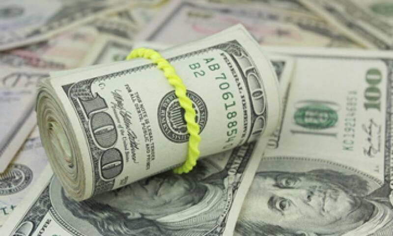 El dólar cerró el jueves en 17.10 pesos a la venta en ventanillas bancarias. (Foto: iStock by Getty Images)