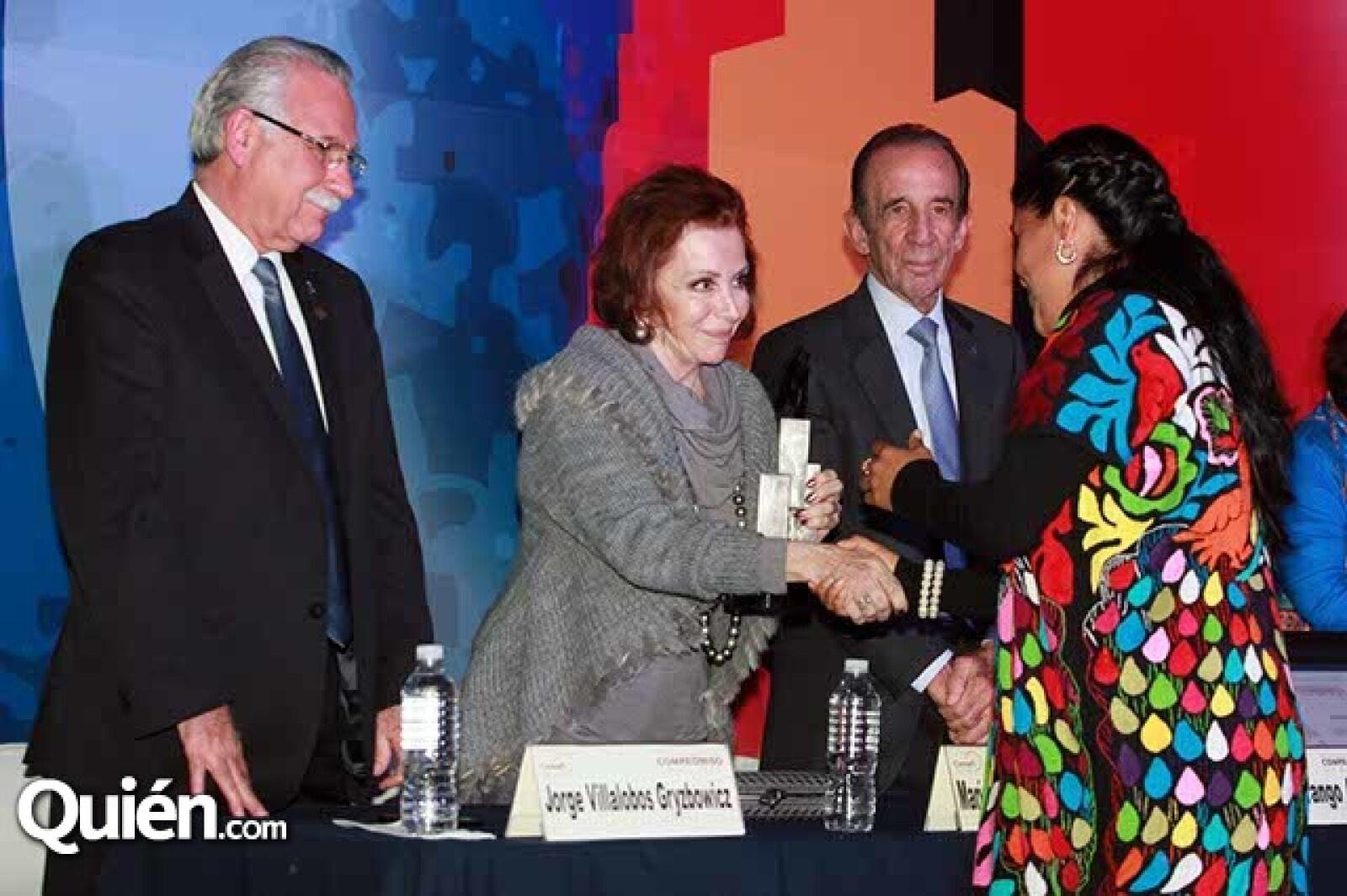 Jorge Villalobos,María Luisa Barrera de Serna,Manuel Arango y Eufrosina Cruz