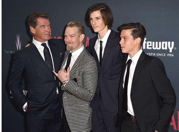 Los tres robaron el spotlight al actor.