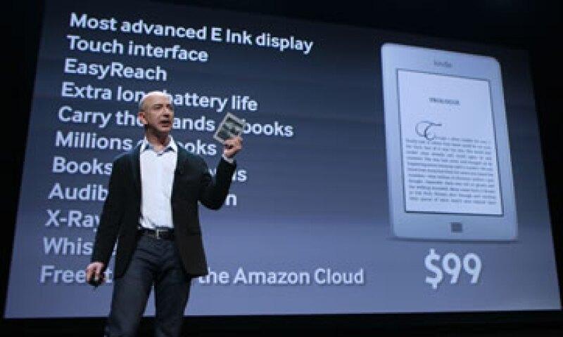 Amazon presentó el Kindle Touch, un lector electrónico sin botones y con pantalla táctil cuyo precio parte en 99 dólares. (Foto: Reuters)