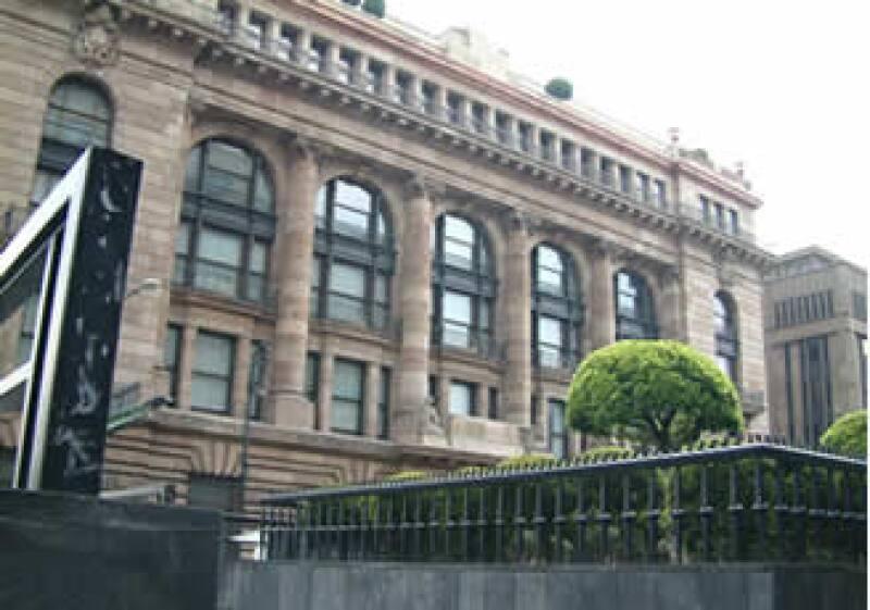 Felipe Calderón deberá nombrar al Gobernador de Banxico antes del 31 de diciembre de 2009. (Foto: M.A.Flores/CNNExpansión)