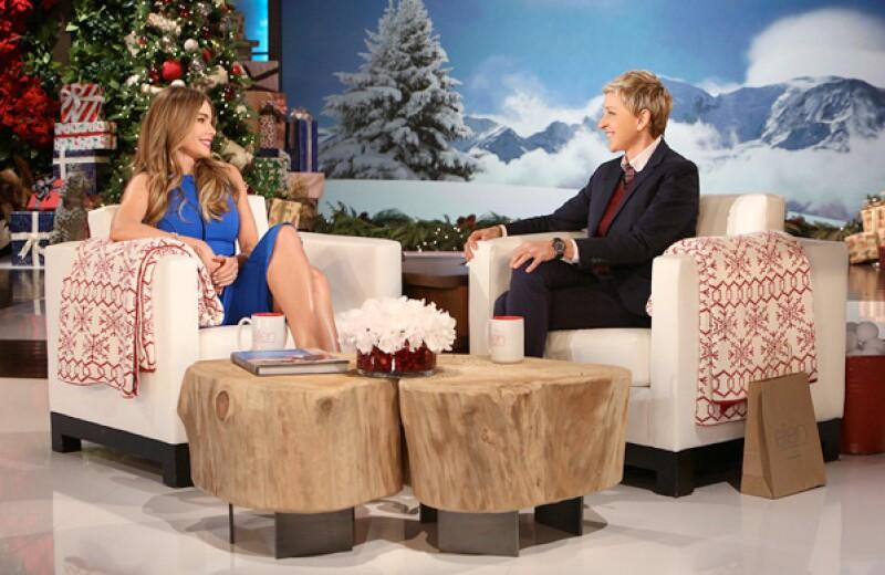 La actriz estuvo como invitada en el show de Ellen, quien empezó disculpándose pero Sofía no la dejó terminar y le dijo que no le creía. Toda la entrevista fue muy divertida.