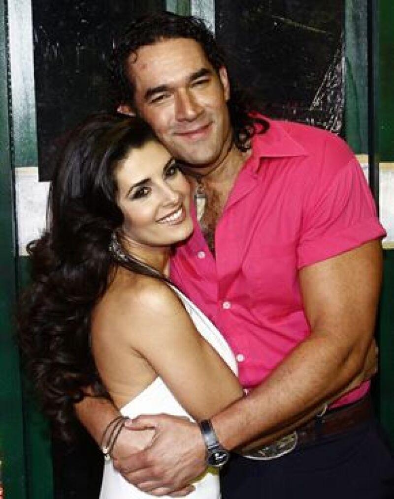 La pareja de actores Mayrín Villanueva y Eduardo Santamarina, quienes esperan a una niña para agosto próximo, contraerán matrimonio el 28 de este mes.