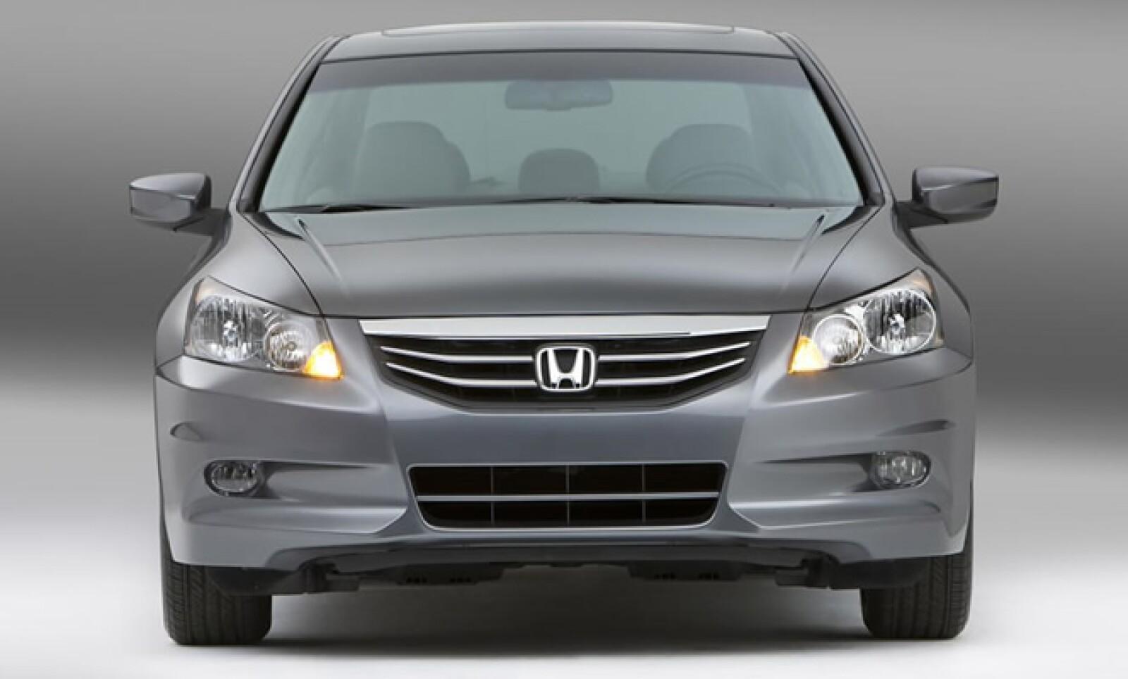 La firma nipona Honda ya tiene listo el lavado de cara de su exitoso mediano el Accord.