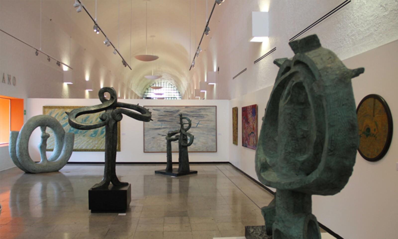 Cuatro de las obras en exhibición son inéditas: Batalla de amor (1960), Avión (1981), Pájaro I y Pájaro II (1958).