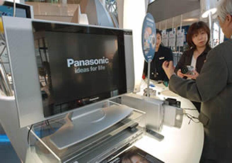 Panasonic dijo que la televisión en 3D saldría a la venta en 2010. (Foto: Archivo AP)