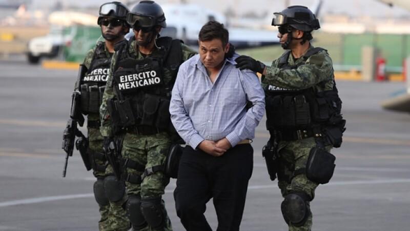 Omar Treviño Morales durante su presentación por parte de las autoridades federales el miércoles