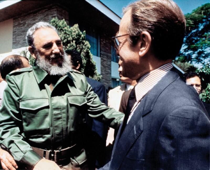 Durante su trayuectoria periodística entrevistó a grandes personalidades, una de sus más recordadas entrevistas fue la que le hizo a Fidel Castro.