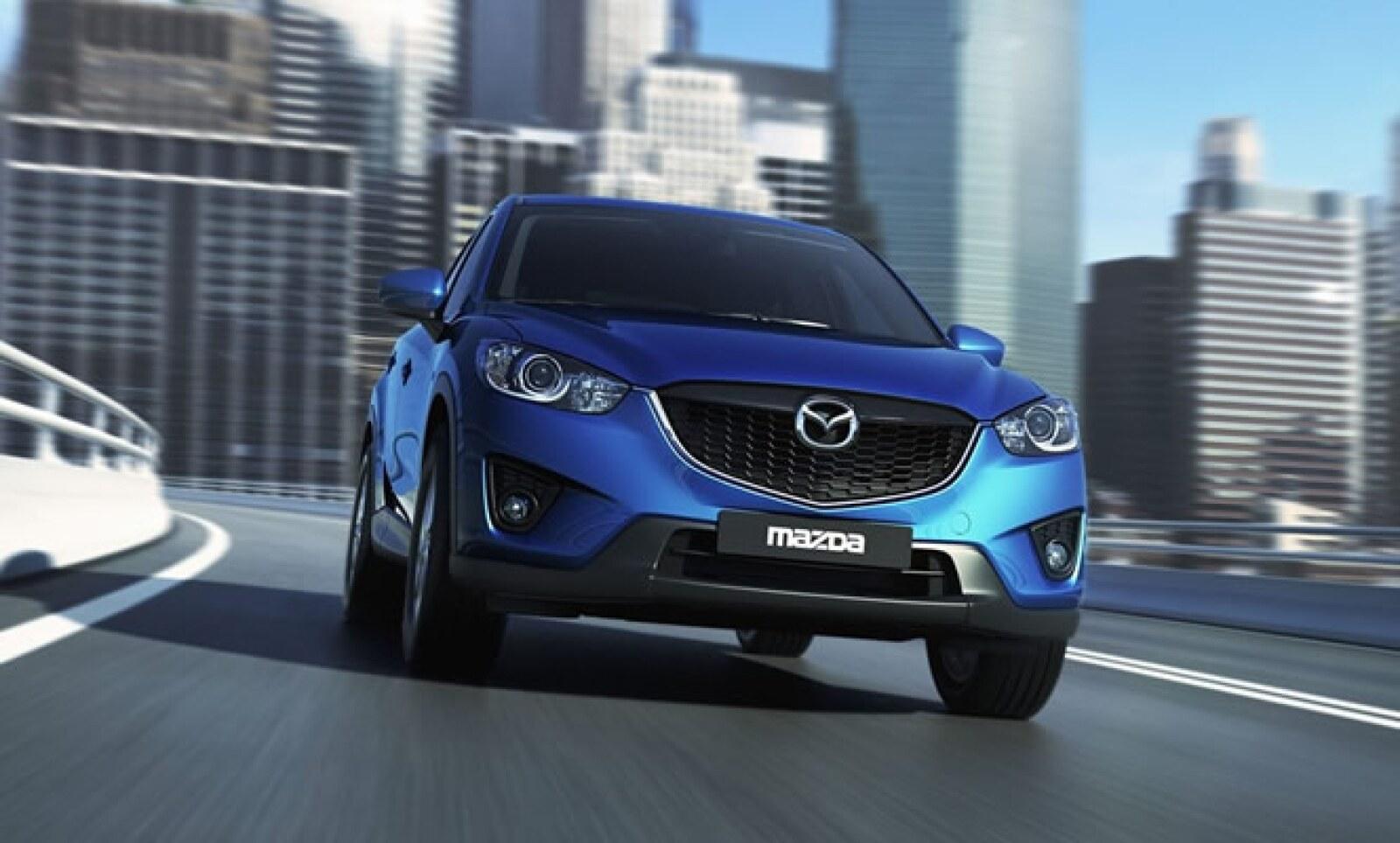 El nuevo SUV de la japonesa revitaliza su diseño, sobre todo en la parte posterior, haciéndola más atractiva a la vista. Estará a la venta al inicio de 2012, a un precio no determinado.