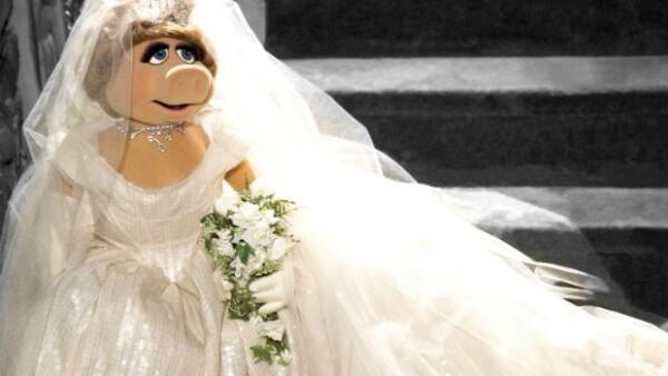 Todo parece indicar que la protagonista de The Muppets se casa, pues recurrió a la reconocida diseñadora para confeccionarle el modelo.