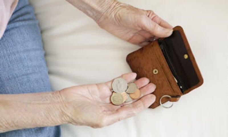 El estudio señala que 46% de los mexicanos no ahorra para el retiro debido al costo cotidiano de la vida. (Foto: Getty Images)