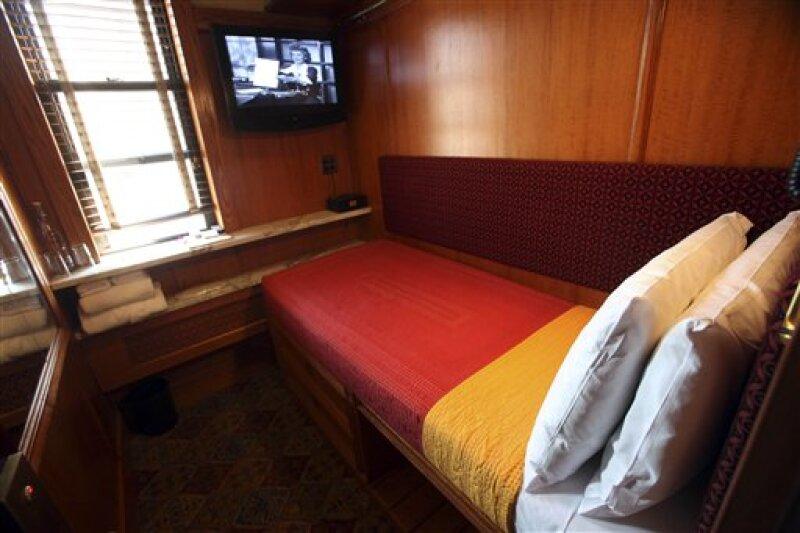 Los cuartos de los microhoteles tienen la apariencia y el espacio de un camarote de un barco. (Foto: AP)