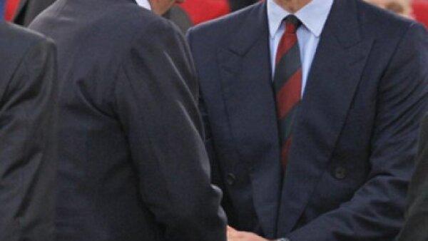 El rey Juan Carlos de España y el príncipe Guillermo en el estadio Olímpico de Roma a donde llegaron para apoyar a los equipos de sus respectivos países: el Barcelona, de España, y el Manchester, de Inglaterra.