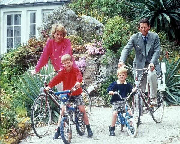 Princesa Diana, príncipe Carlos, príncipe William y el príncipe Harry