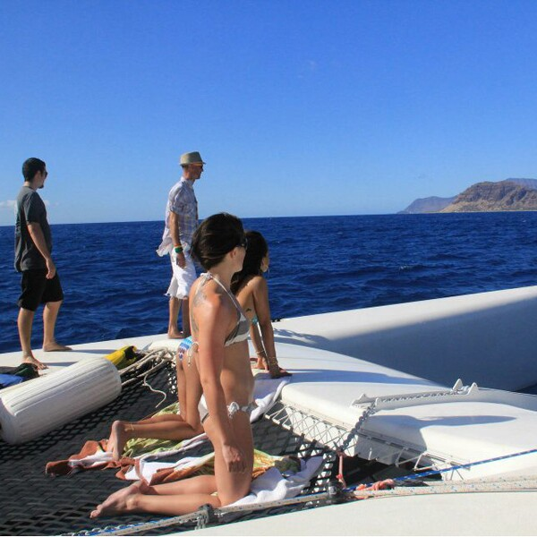 La ahora actriz acudió a este paraíso acompañada de sus amigos.