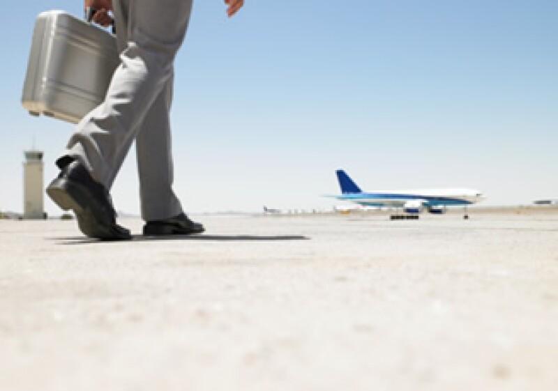 El número de pasajeros y peso de equipaje se define también por el clima y la altitud de los aeropuertos. (Foto: Jupiter Images)