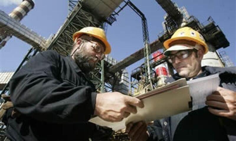 Sacyr podría disolver un pacto sindicado de acciones que tiene con Pemex sobre los títulos de Repsol. (Foto: AP)