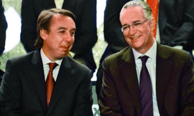 En abril de 2011, Emilio Azcárraga Jean y Ricardo Salinas Pliego dieron a conocer el interés de Televisa para adquirir 50% de Iusacell. (Foto: Archivo)