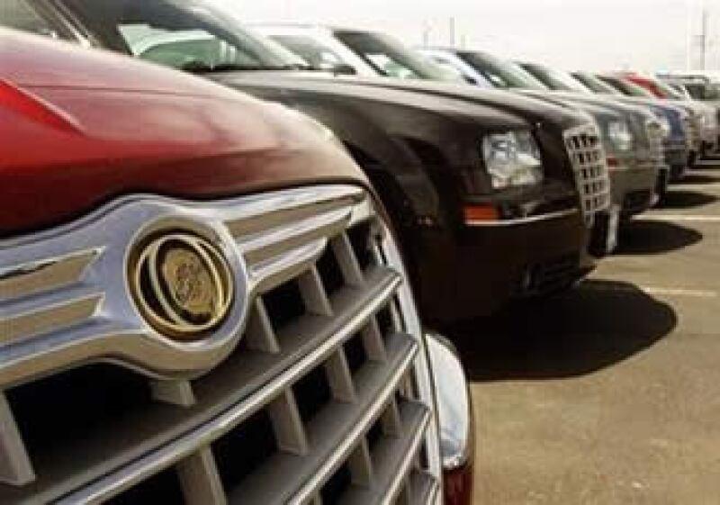 Fiat acordó en 2009 tomar un 20% de Chrysler para salir de la quiebra y control del Gobierno de EU. (Foto: Reuters)