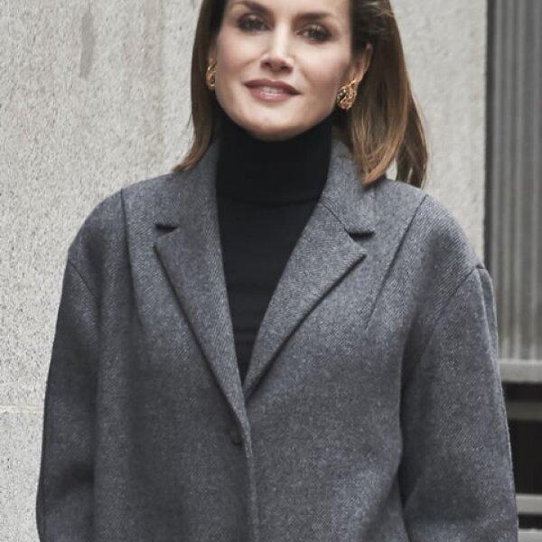 Y aunque ha generado críticas por su extrema delgadez, la reina en definitiva da siempre cátedra de estilo.