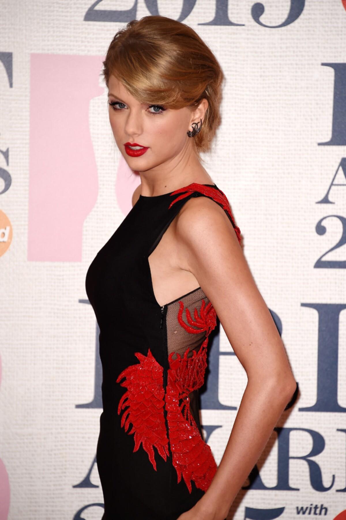 ¿Por qué Taylor Swift compró páginas porno?