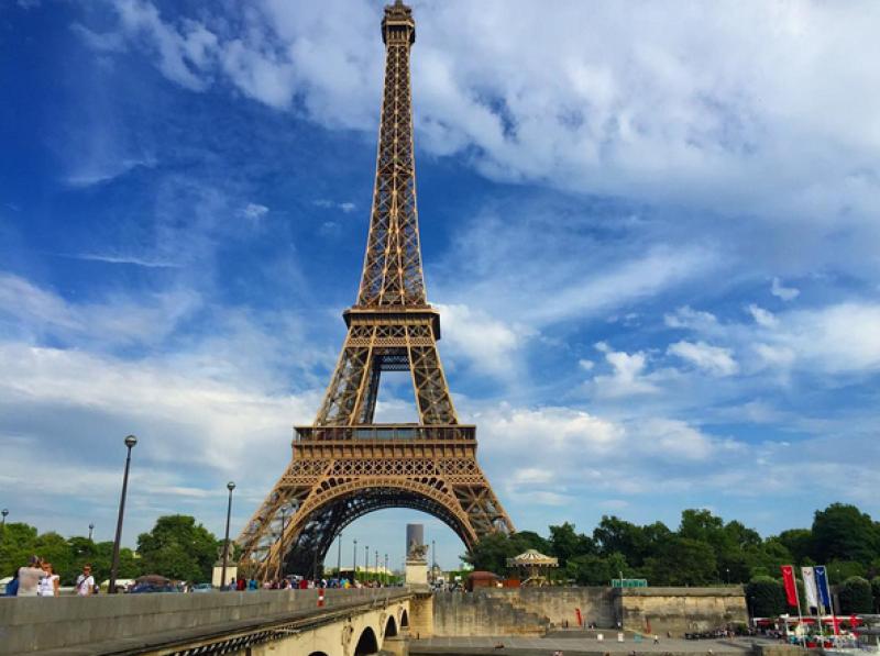Eiza aseguró que Francia es un lugar muy cerca de su corazón.