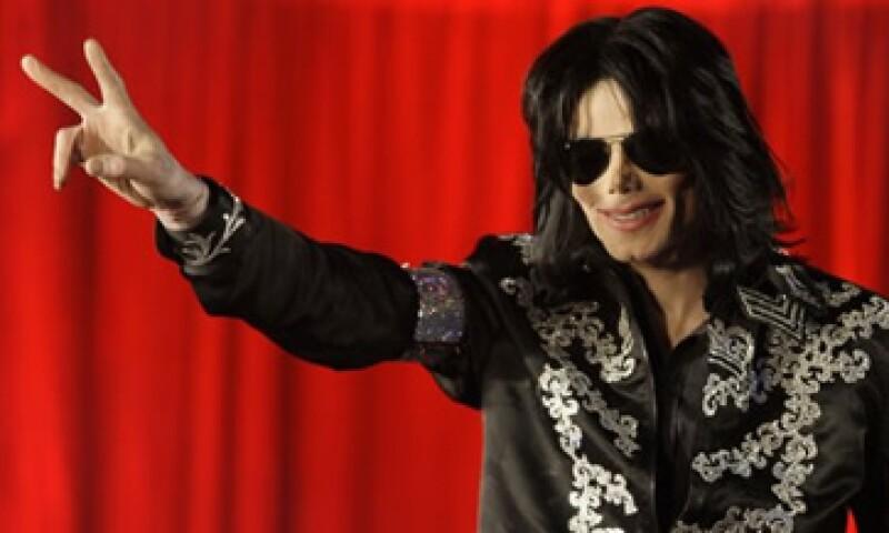 Sony firmó un acuerdo de 250 mdd para lanzar 10 álbumes con material inédito de Michael Jackson. (Foto: AP)