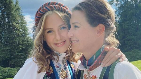 Leah Isadora y la princesa Marta Luisa de Noruega