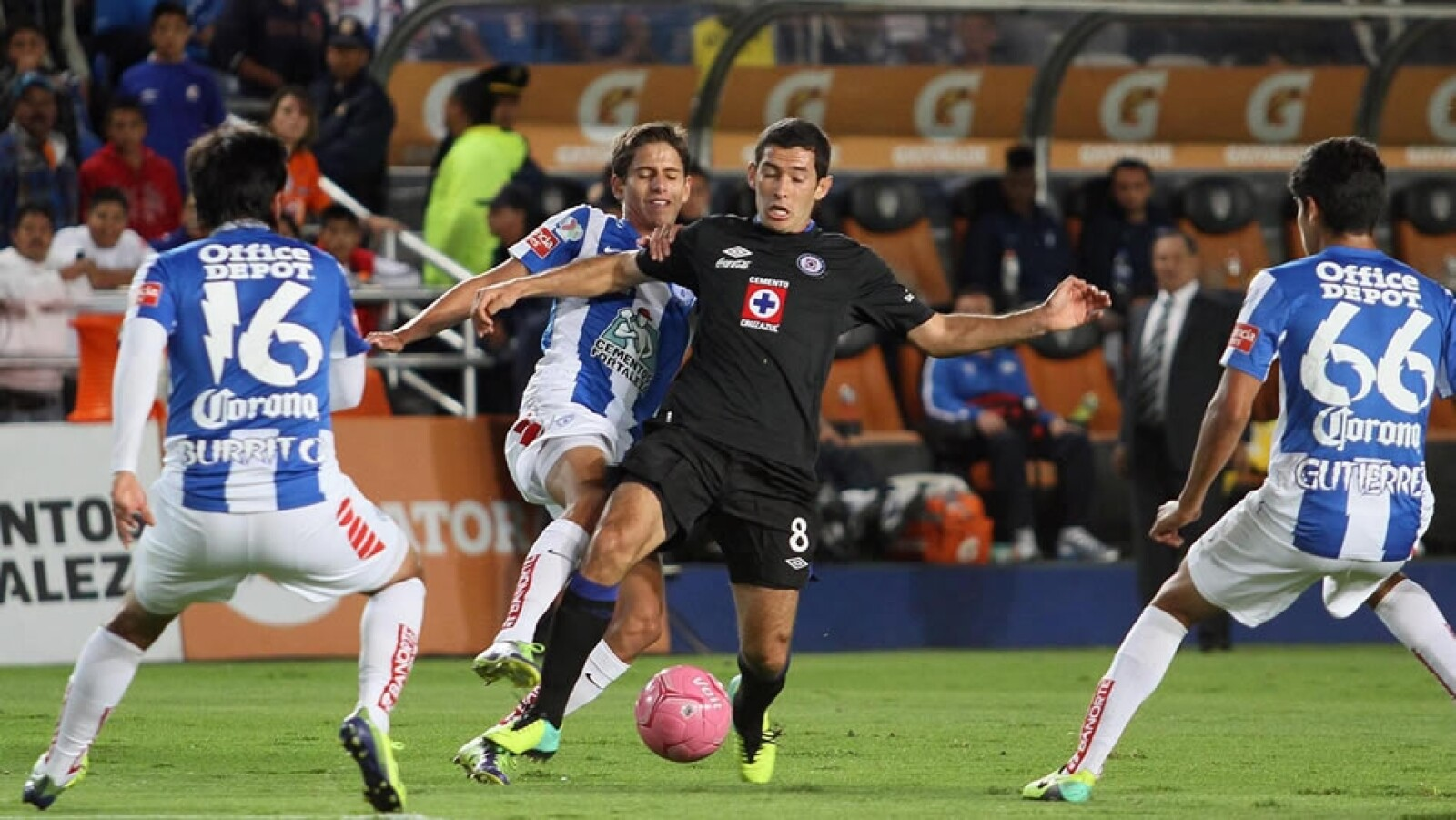 Cruz Azul vs Pachuca1