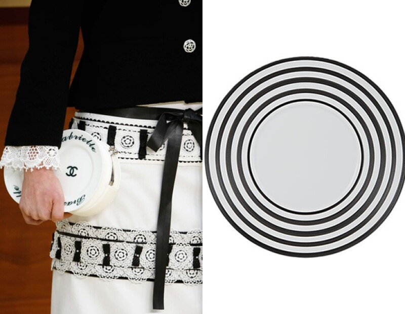 """El clutch de Chanel que presentó en la pasarela """"Brasserie Gabrielle""""."""