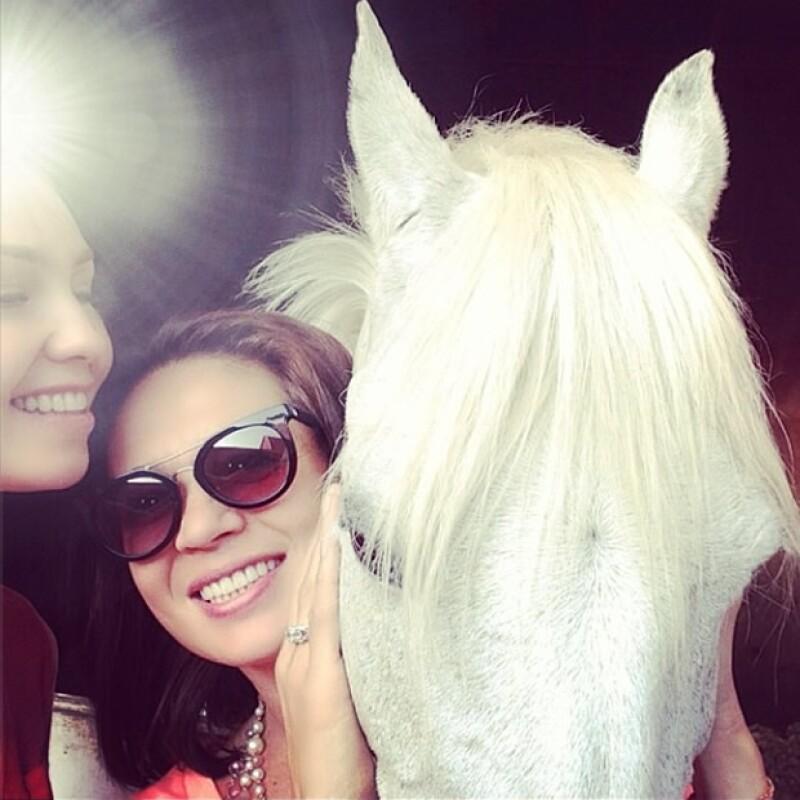 La cantante y la conductora convivieron unos días en la Gran Manzana y presumieron su encuentro en Twitter e Instagram.