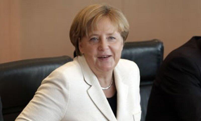 Merkel prometió toda la ayuda desde el lado alemán para que Grecia recupere la confianza. (Foto: AP)