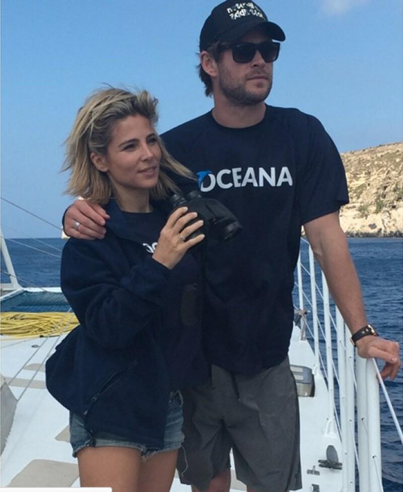 El actor está casado con la guapa española Elsa Pataky, con quien tiene tres hijos.