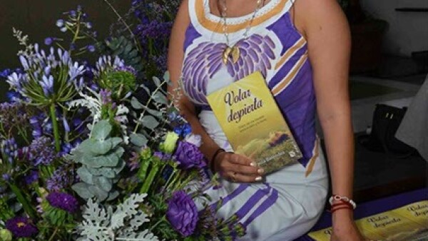 La autora del libro Paola Beléndez.