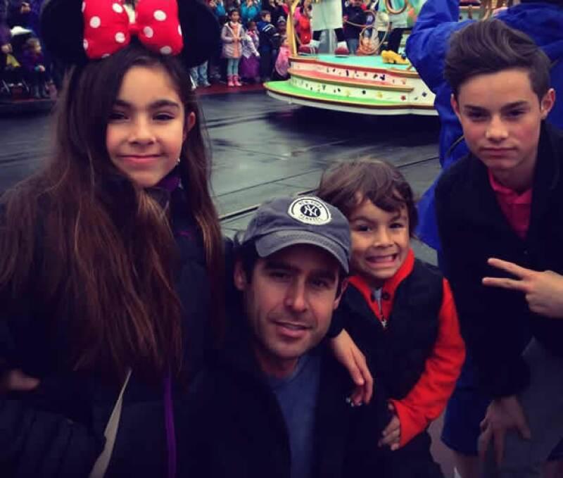 Neto Elizondo y sus hijos