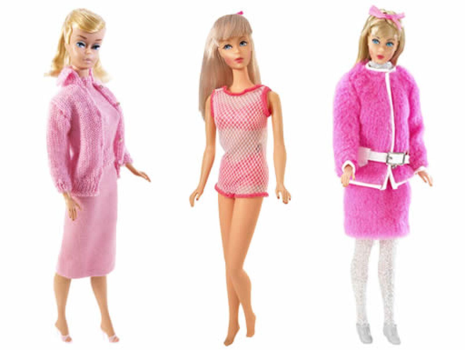 Barbie se vende en 150 países alrededor del mundo. Si formamos en línea recta a todas las muñecas vendidas desde 1959 le dan la vuelta al mundo siete veces.