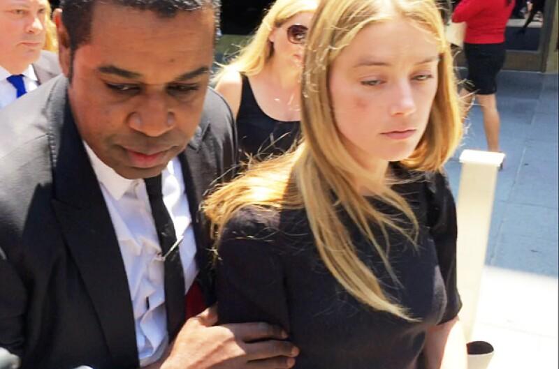 Amber Heard compareció ante la corte para pedir una orden de restricción hacia Johnny Depp.
