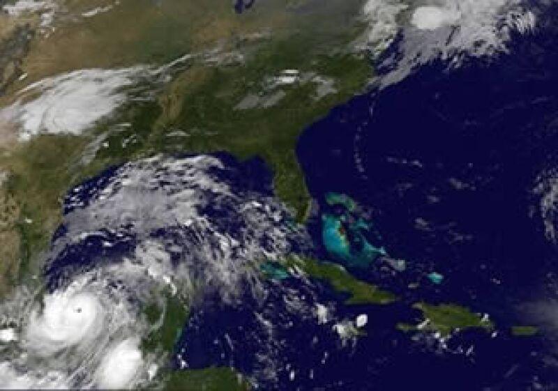 La tormenta se acerca a la Bahía de Campeche, donde se encuentra la mayor producción de petróleo del país. (Foto: AP)