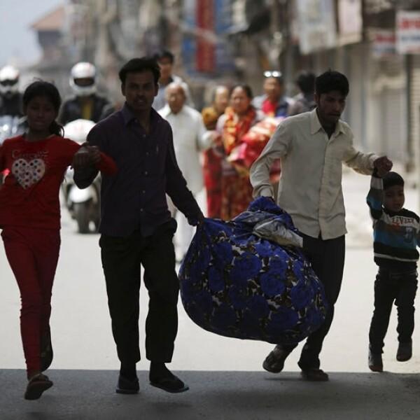 Replica sobrevivientes sismo Nepal