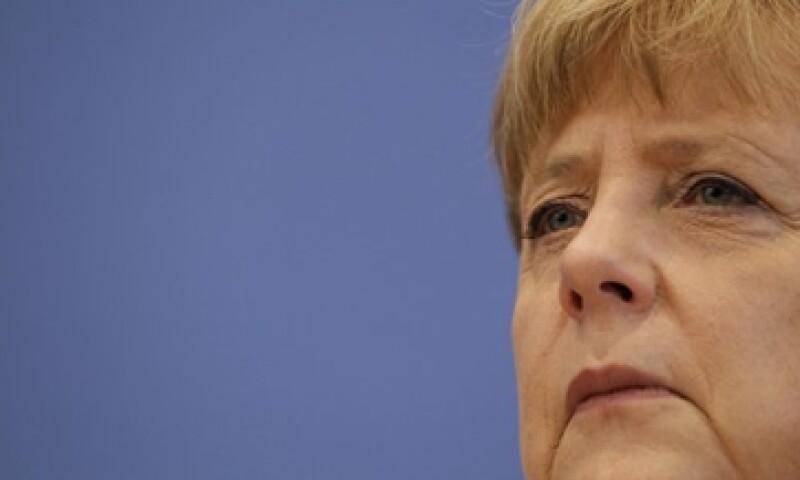 La canciller alemana dijo que impulsa el consumo doméstico para contener la crisis de la eurozona. (Foto: Reuters)