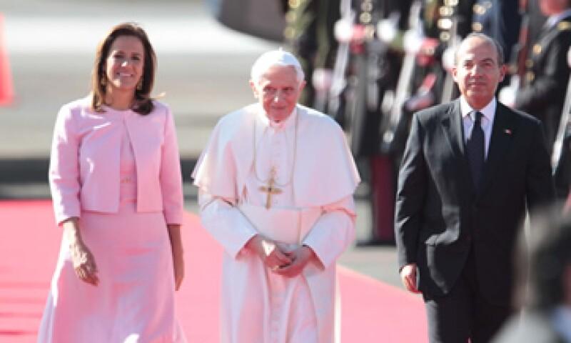 Benedicto XVI llegó a México luego de viajar 14 horas desde Roma. (Foto: Notimex)