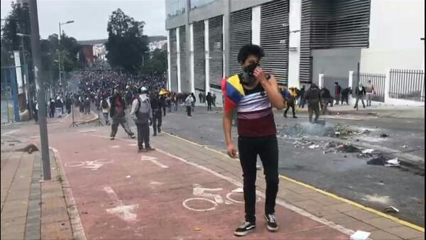 Miles de indígenas toman Quito y ponen en jaque al gobierno de Ecuador