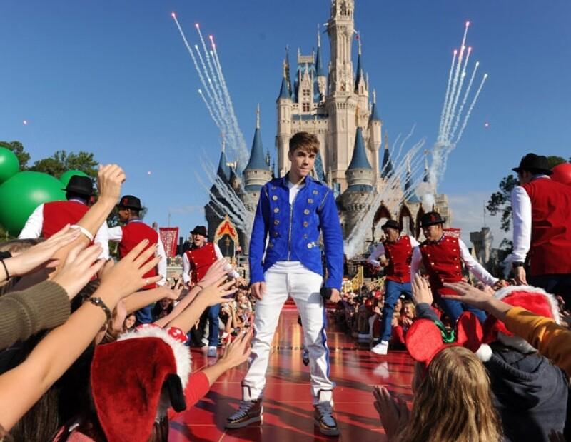 Justin grabó el especial navideño el parque Magic Kingdom en Walt Disney World, en Florida.